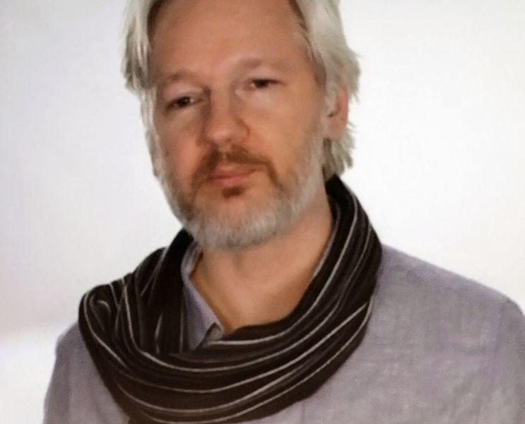 30C3_Assange_02