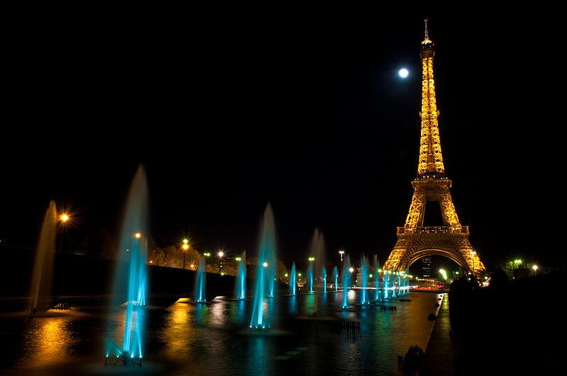800px-Eiffel_Tower_(3439761188)