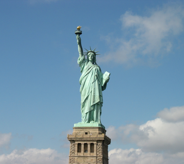 Statue_of_Liberty_from_ferry